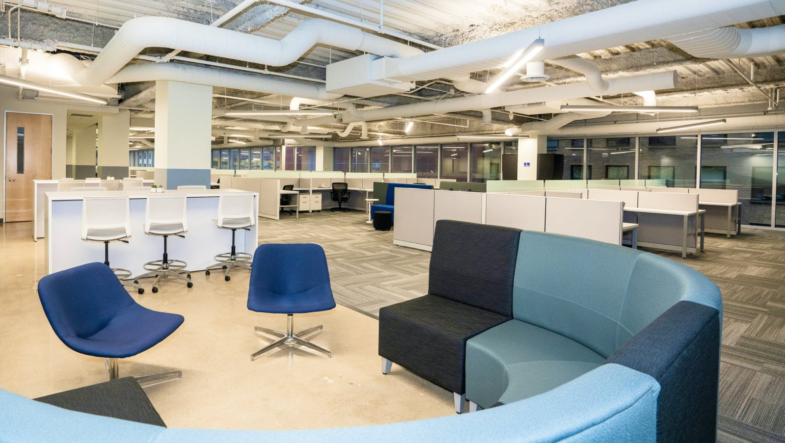 Large office space and lounge for M1 Finance in the Chicago Loop